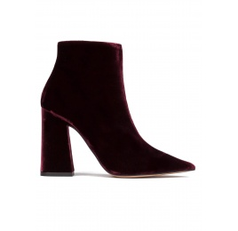 High heel ankle boots in burgundy velvet Pura López