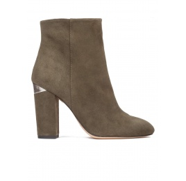 High block heel ankle boots in army green suede Pura López