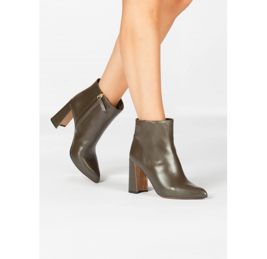 High block heel ankle boots in khaki green leather Pura L�pez