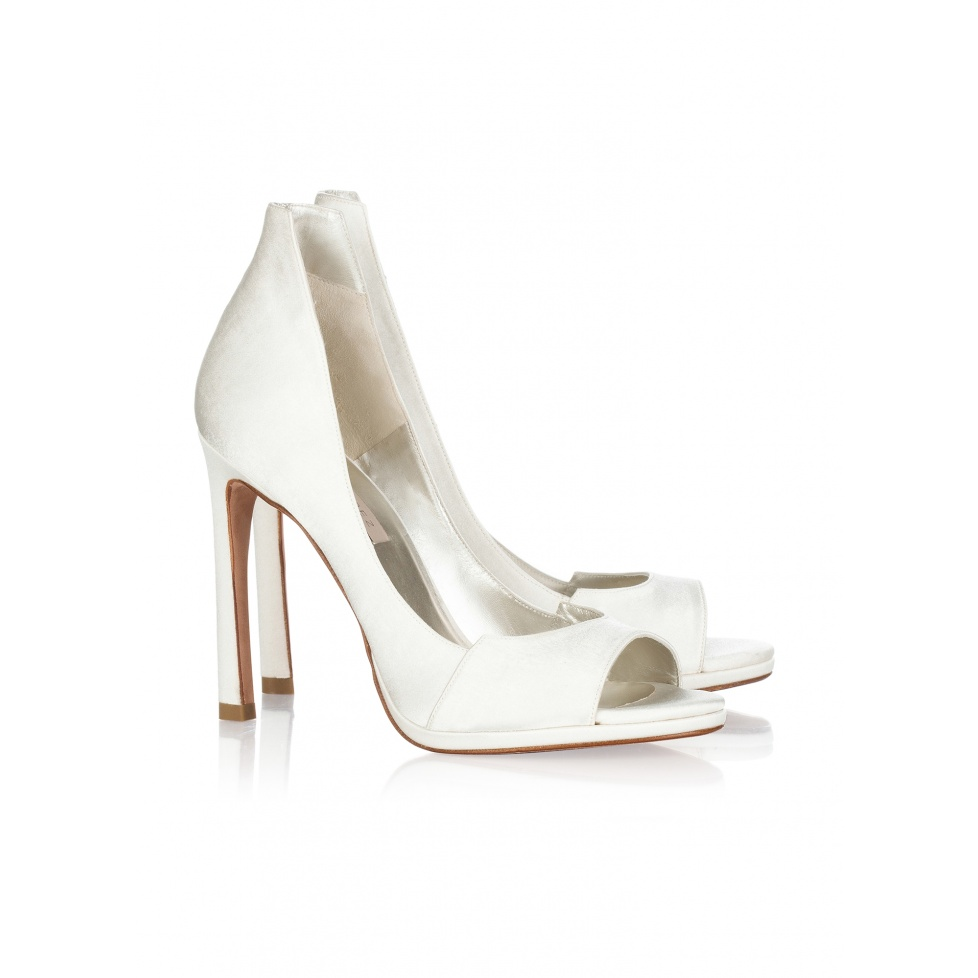 Pura Lopez bridal peep toes in offwhite satin