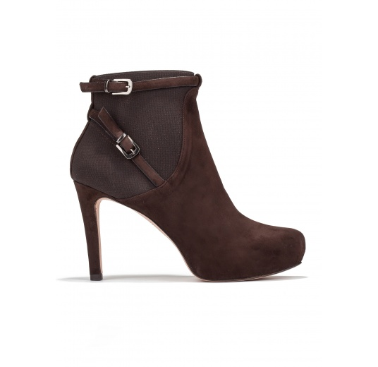 Mid heel ankle boots in brown suede Pura L�pez