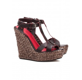 Wedge sandals in dark brown leather Pura López