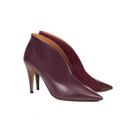 High heel ankle boots in aubergine leather Pura López
