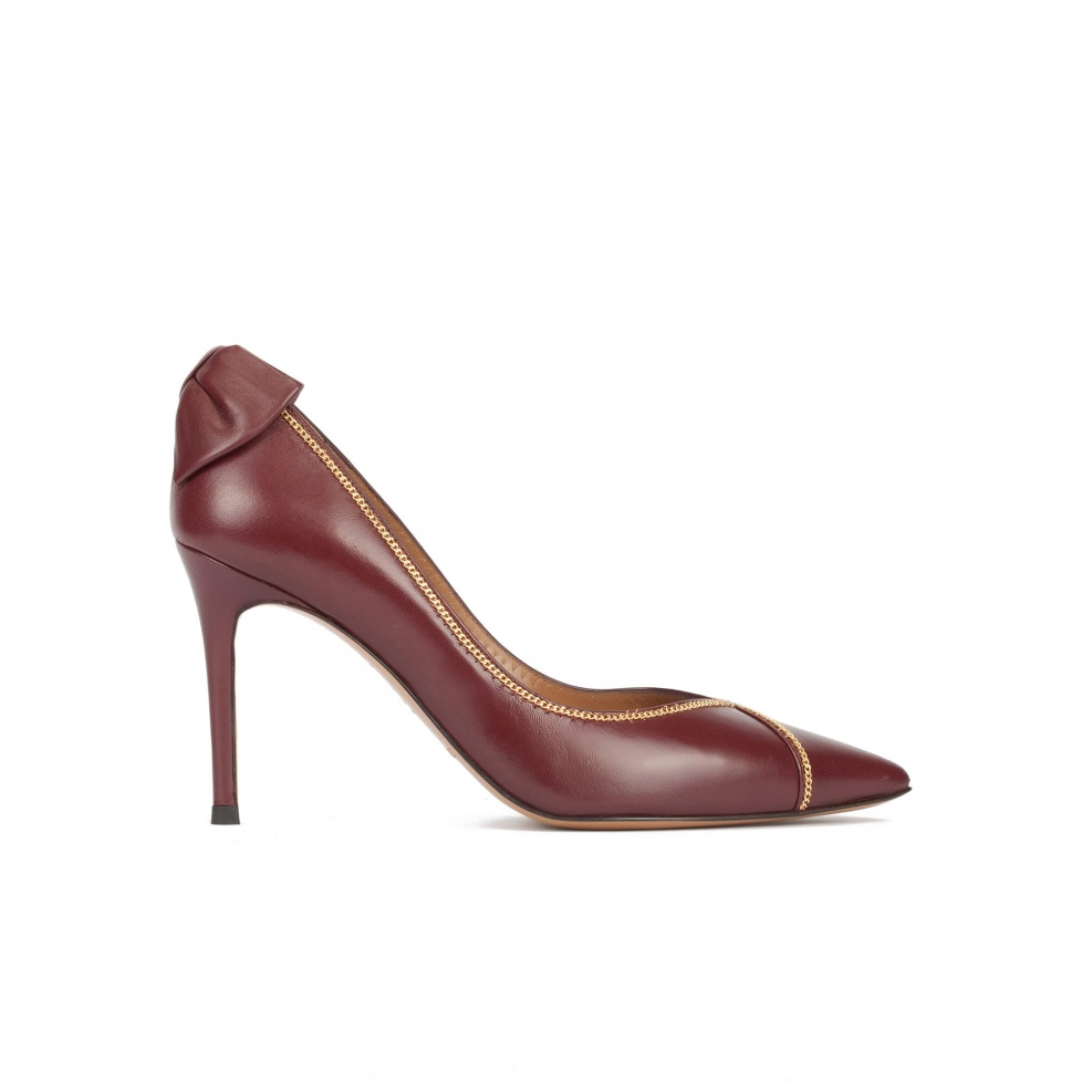 Bow-embellished pointy toe shoes in burgundy leather