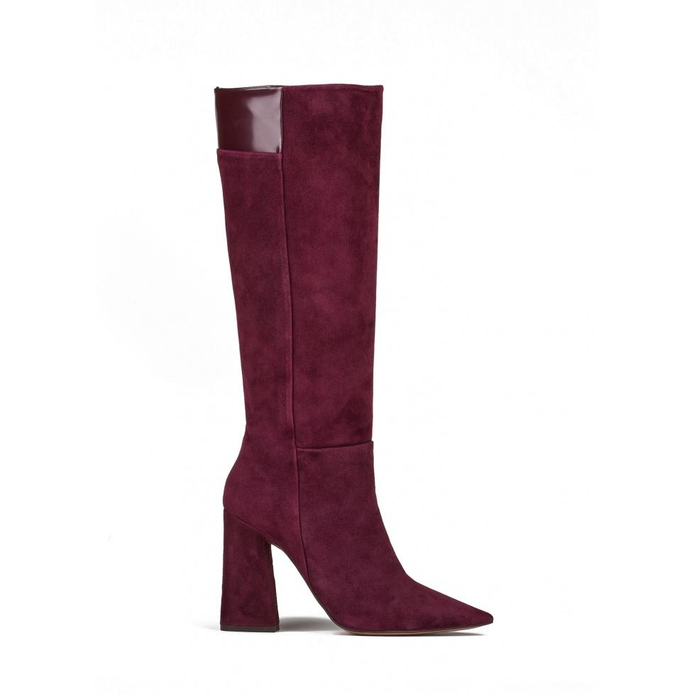 High heel boots in burgundy suede