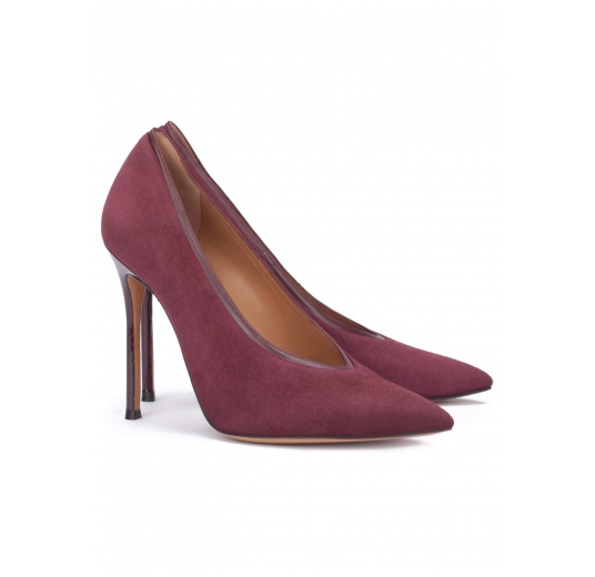 V-cut heeled pumps in burgundy suede Pura L�pez