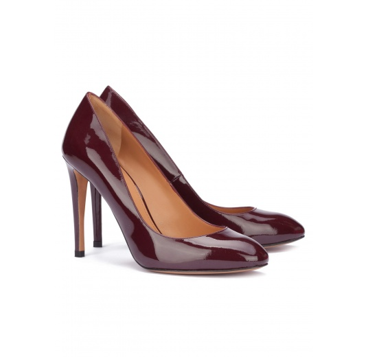 Burgundy patent leather heeled pumps Pura L�pez
