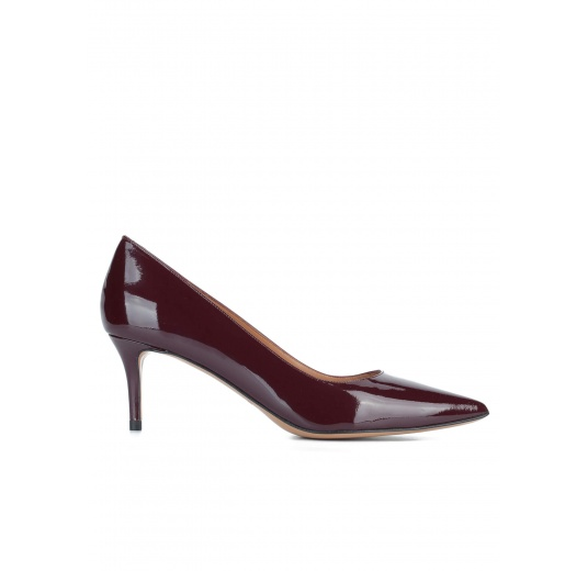 Classic heels in burgundy patent leather Pura L�pez
