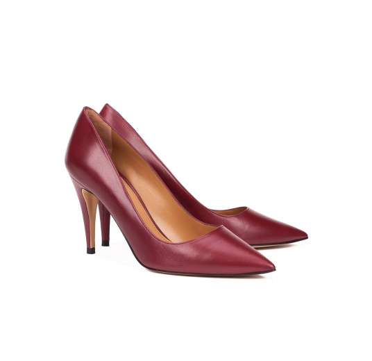 High heel pumps in burgundy leather Pura L�pez