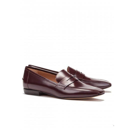 Flat loafers in burgundy glossed leather Pura L�pez