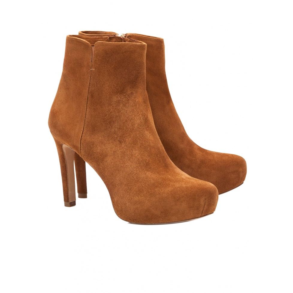 Mid heel ankle boots in chestnut suede - online store Pura Lopez