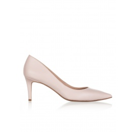 Mid heel pumps in rose quartz leather Pura López