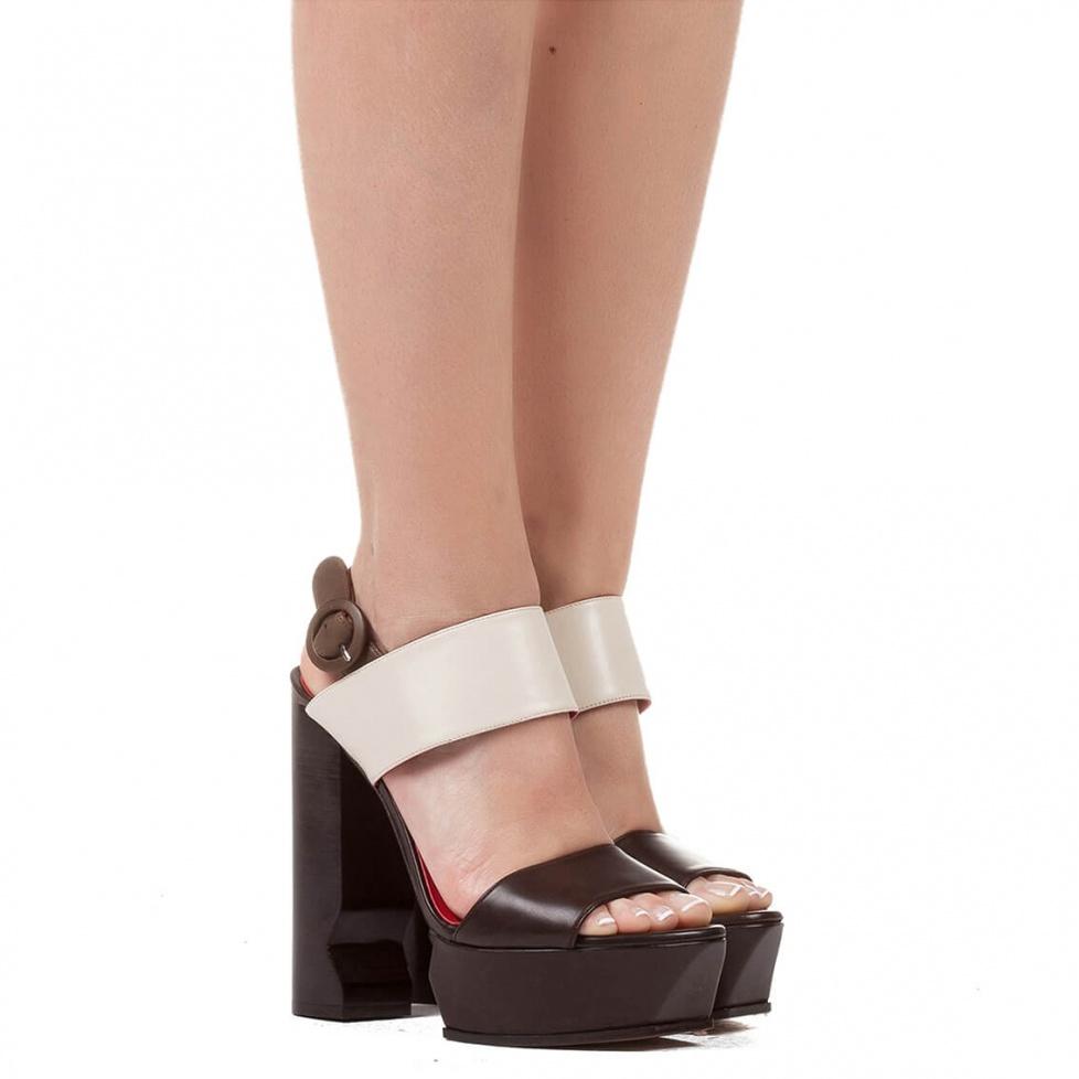 Sandalia bicolor de tacón ancho alto - tienda de zapatos Pura López