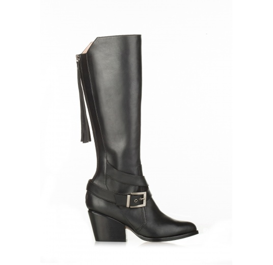 Mid heel boots in black leather Pura L�pez