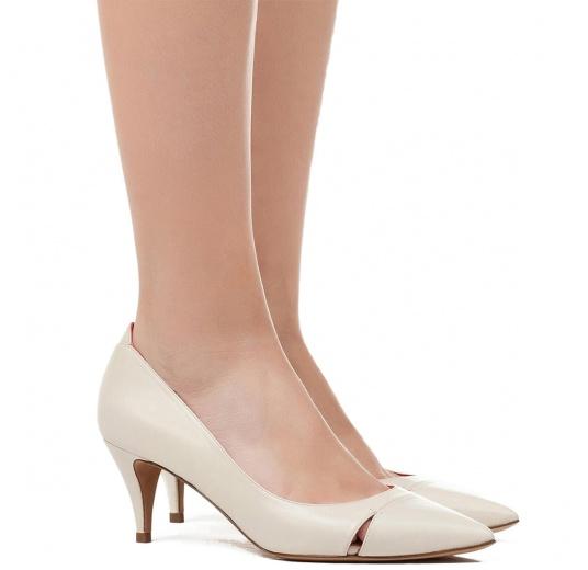 Mid heel pumps in cream leather Pura L�pez