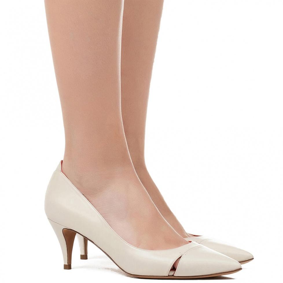 Mid heel pumps in cream leather - online shoe store Pura Lopez