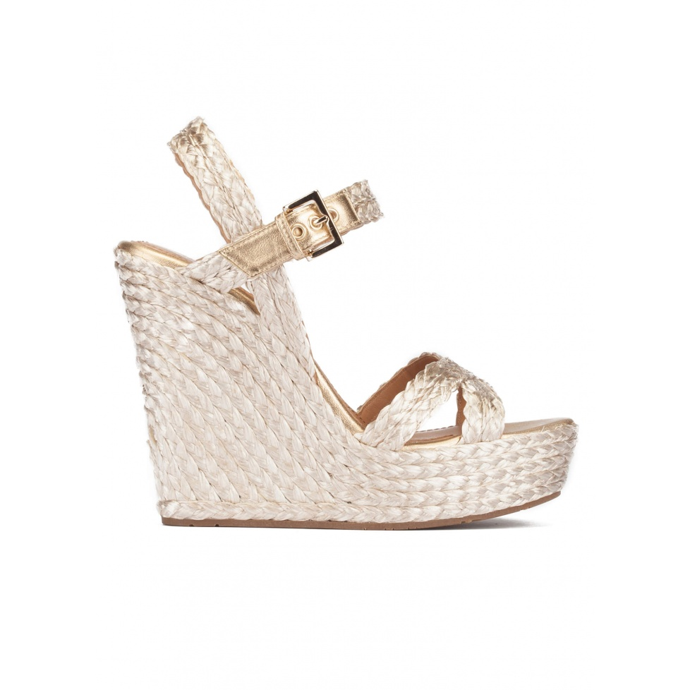 High wedge sandals in platin satin raffia