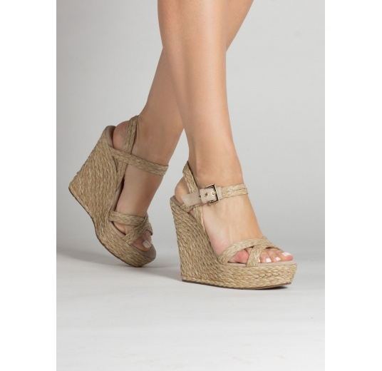Ankle strap wedge sandals in taupe raffia and suede Pura L�pez