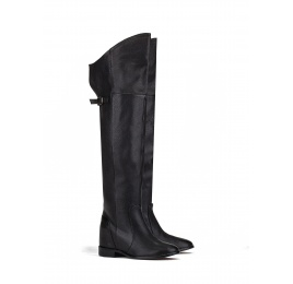 Over the knee boots in black leather Pura López