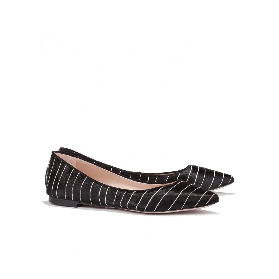 Zapato negro plano con rayas - tienda de zapatos Pura López
