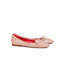 Flat loafers in nude patent leather Pura López