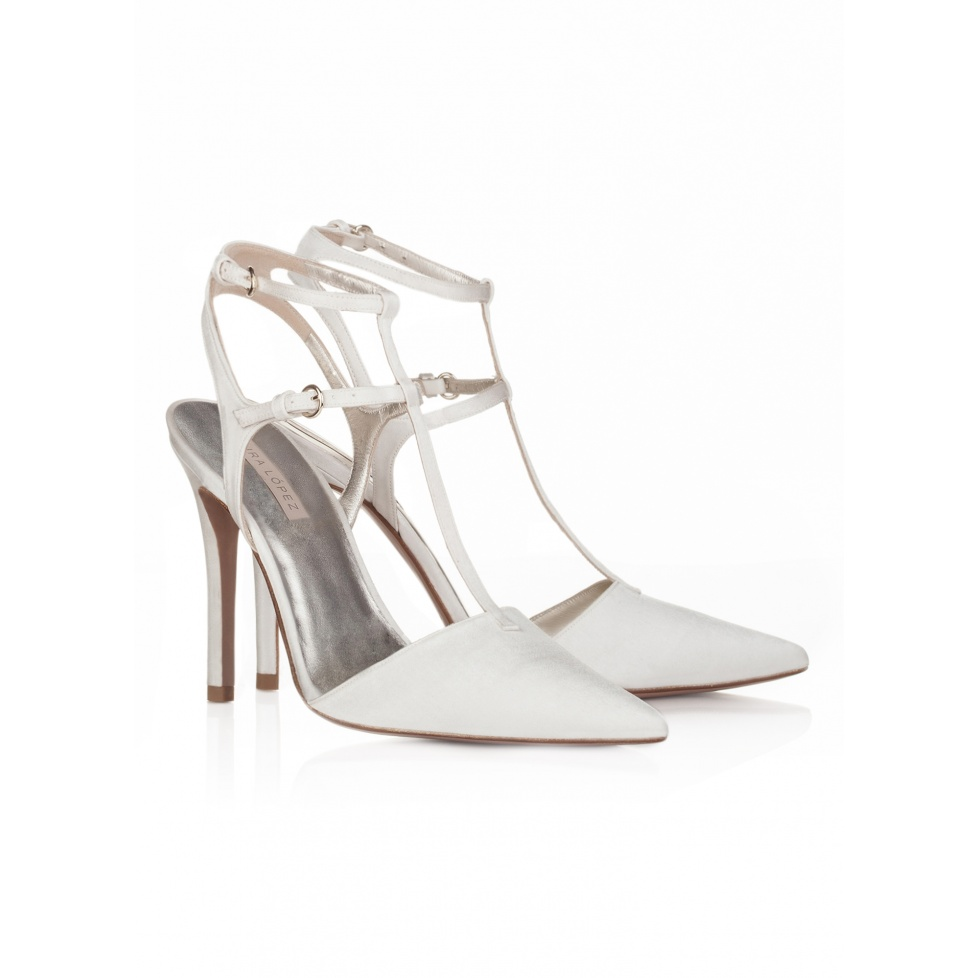 Pura Lopez high heel pointy toe shoes in offwhite satin