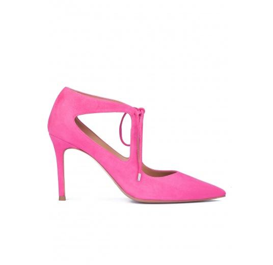 Zapatos fuxia de ante con lazada Pura L�pez