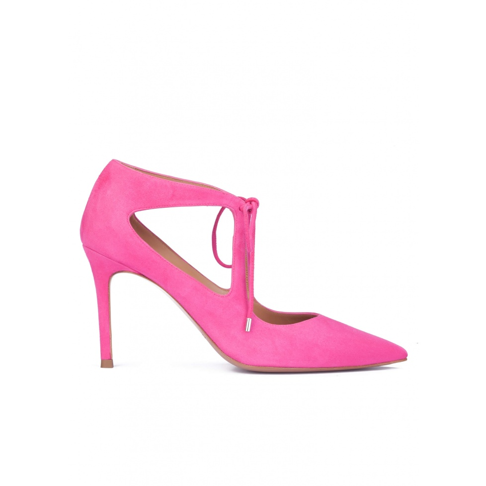 Fuxia suede shoes with front ties