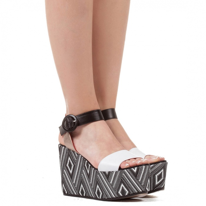 Wedge sandals in black and white - online shoe store Pura Lopez