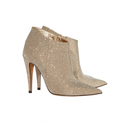 High heel ankle boots in platinum glitter Pura L�pez