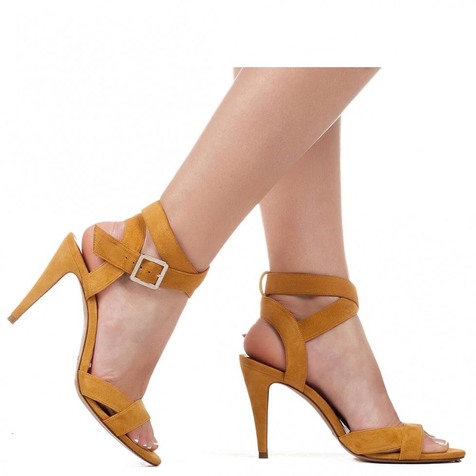 Sandalias camel de tacón alto - tienda de zapatos Pura López