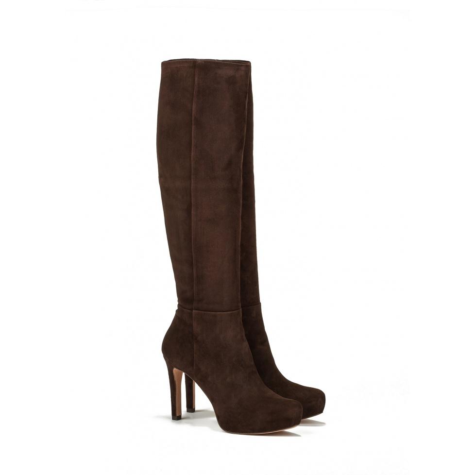 Botas de tacón medio en ante marrón - tienda de zapatos Pura López