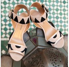Sandalias bicolor de tacón alto en ante Pura López