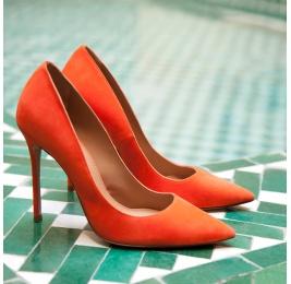 Orange suede pointy toe stiletto pumps Pura López