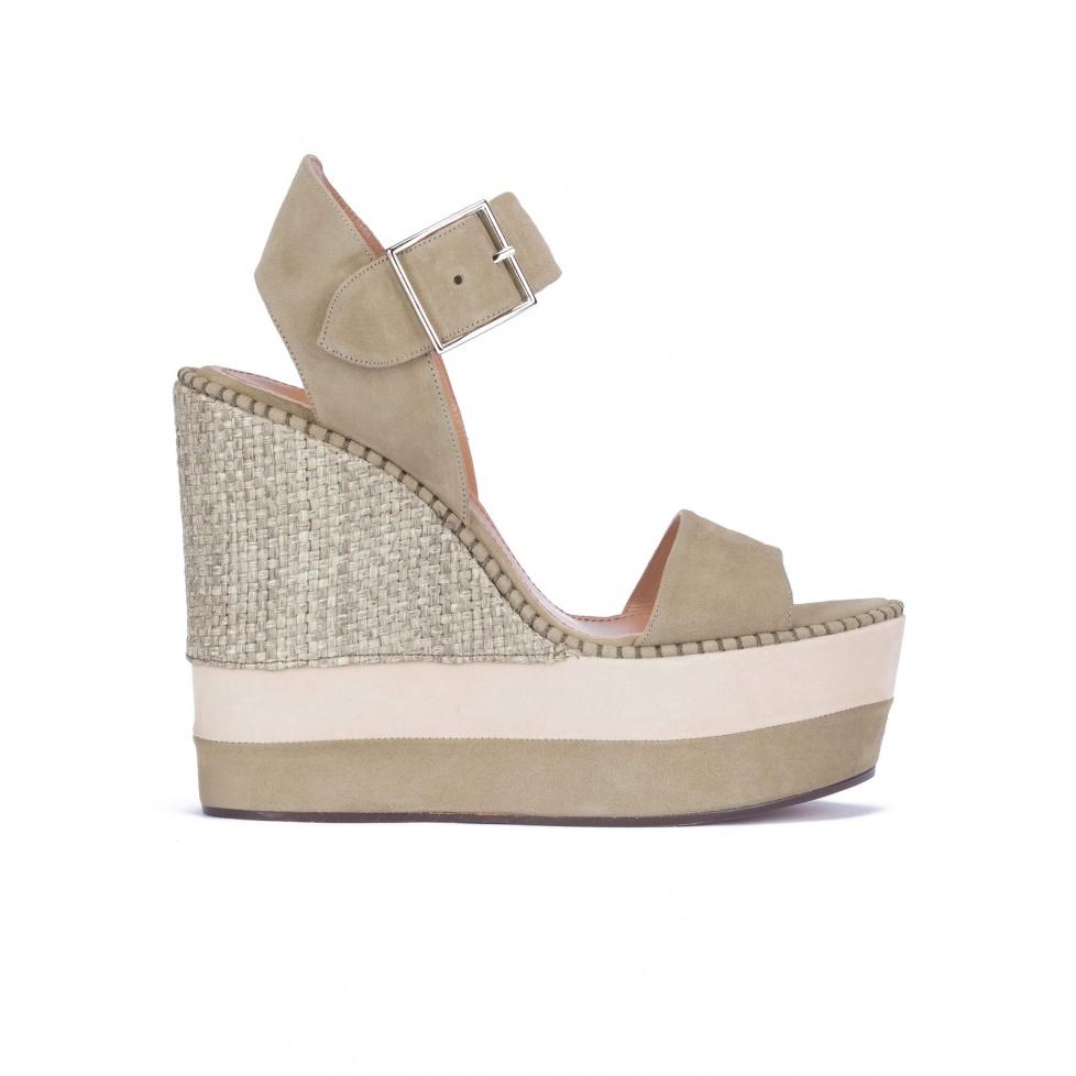 High wedge sandals in kaki suede and raffia