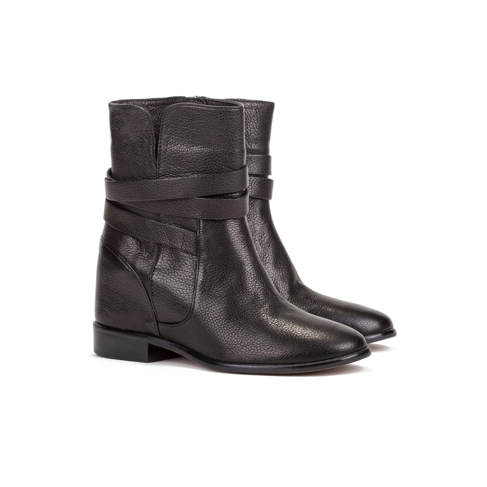 Concealed wedge ankle boot in black leather-online store Pura Lopez