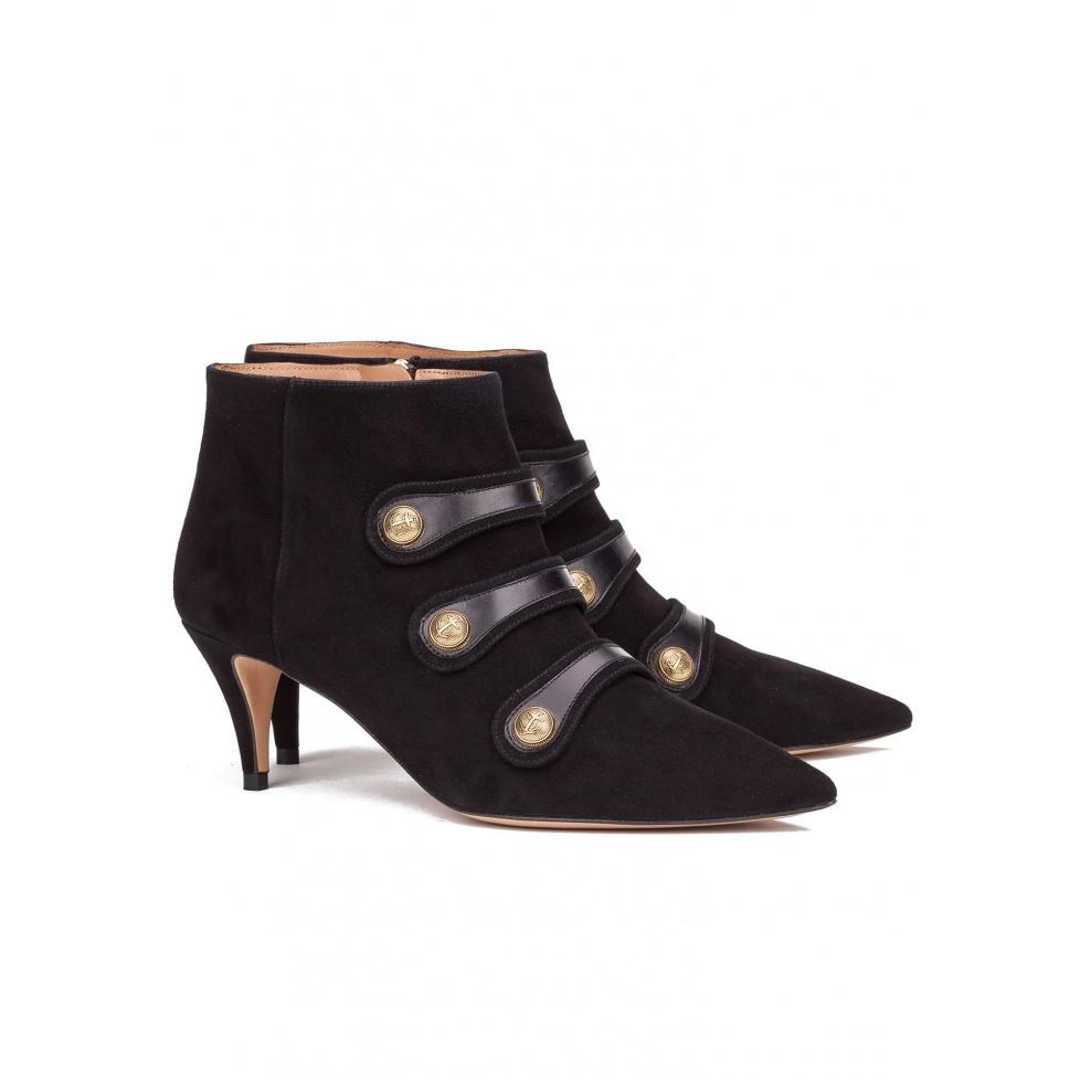 Botines negros de tacón con botones - tienda de zapatos Pura López