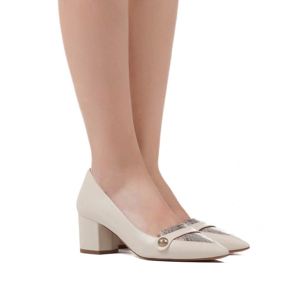 Zapatos de tacón medio en piel crema - tienda de zapatos Pura López
