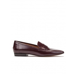 Flat loafers in burgundy glossed leather Pura López