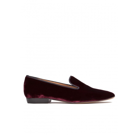 Flat loafers in burgundy velvet Pura López
