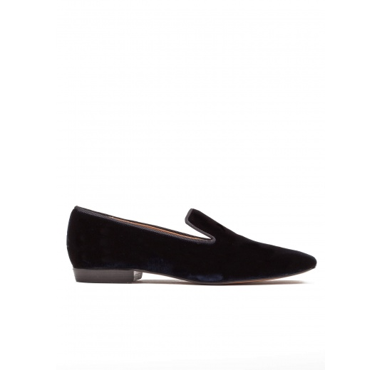 Flat loafers in night blue velvet Pura L�pez
