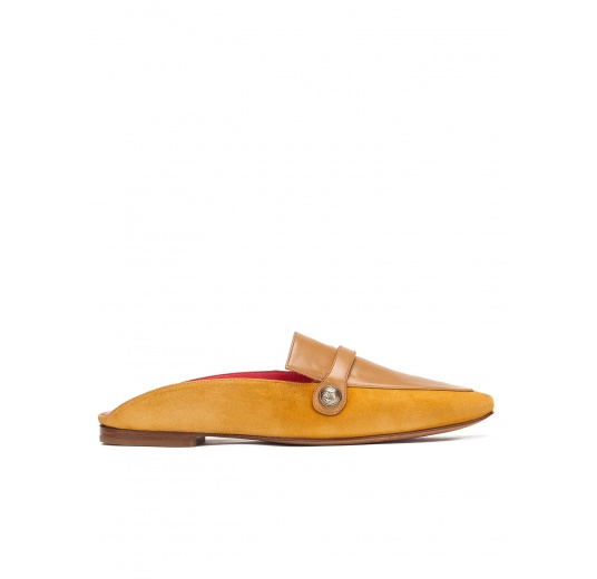Flat mule shoes in tobacco leather and suede Pura L�pez