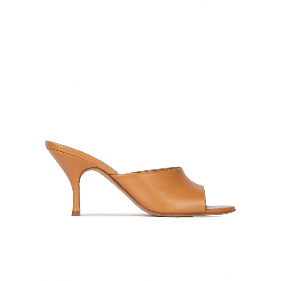 Mid curved heel mules in camel leather