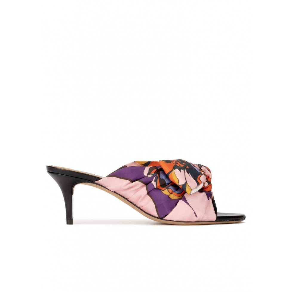 Bow detailed mid heel mules in printed fabric