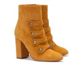 High block heel ankle boots in mustard suede Pura López