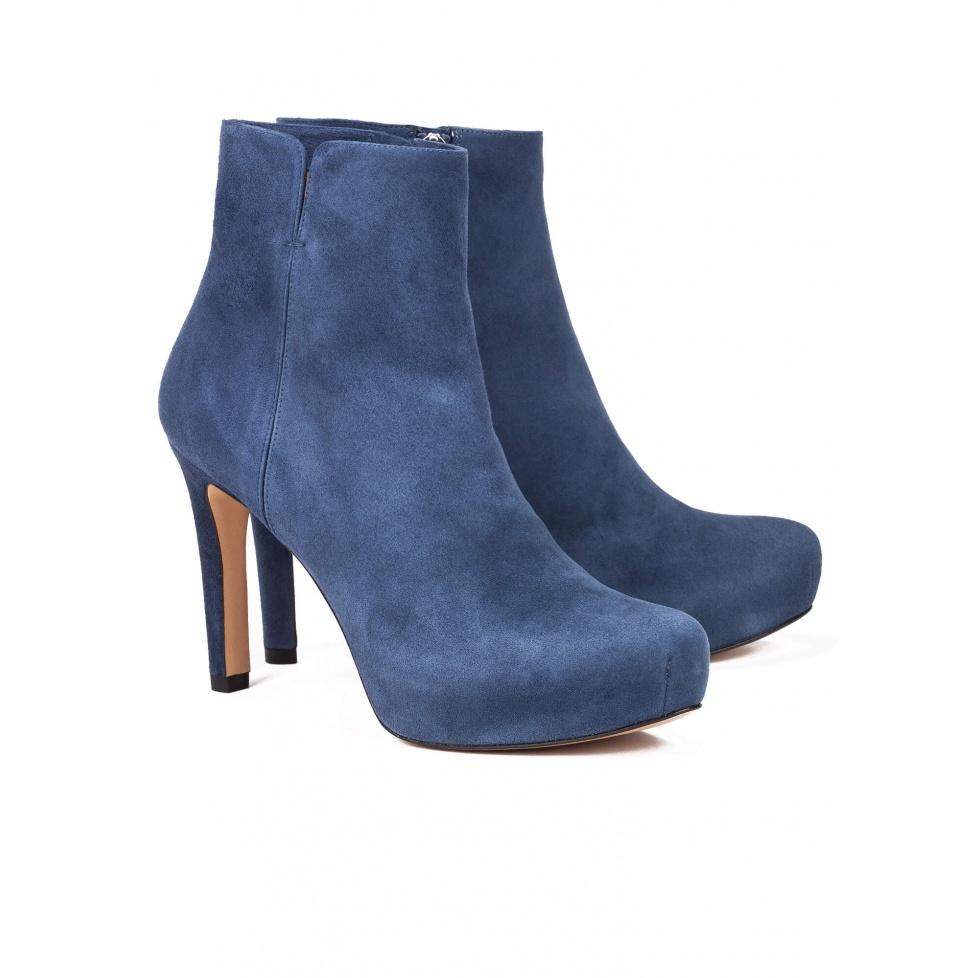 Botín azul de tacón medio en ante - tienda de zapatos Pura López