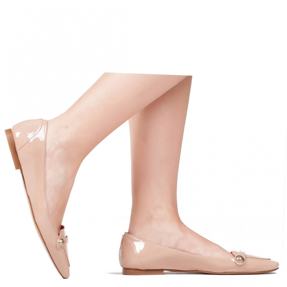 Flat loafers in nude patent  - online shoe store Pura Lopez