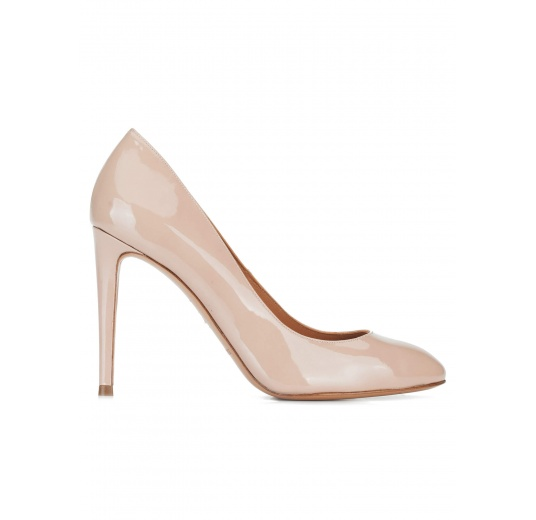 Nude patent leather high heel pumps Pura L�pez