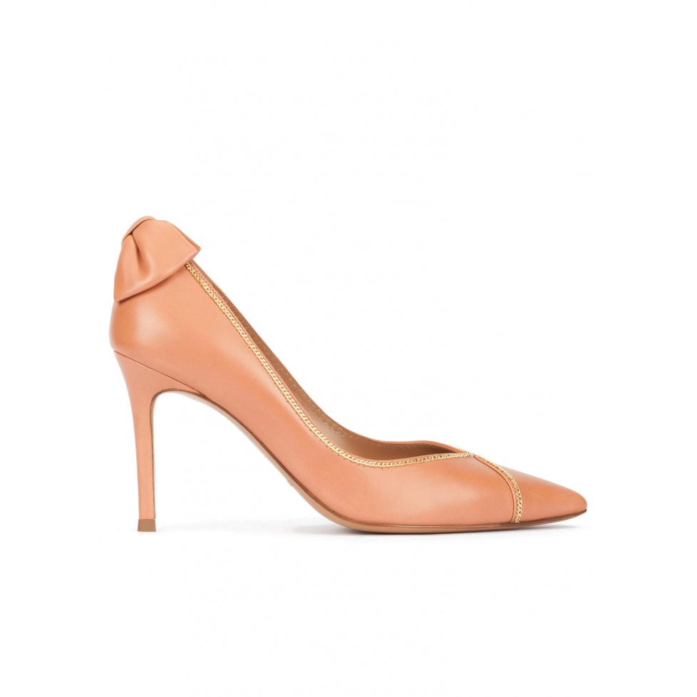 Bow embellished point-toe shoes in old rose leather