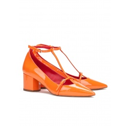 Mid heel shoes in orange patent leather Pura López